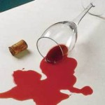 Как отстирать вино с одежды