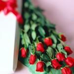 Цветы в подарок нашим милым дамам