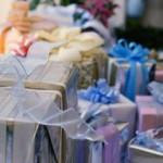 Что подарить на свадьбу сестре: выбираем интересные идеи