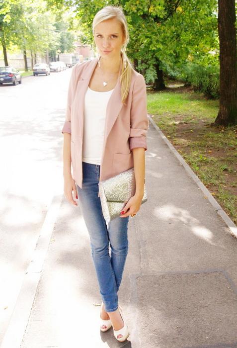 Бледно розовая куртка с чем носить фото
