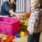Как научить ребенка убирать игрушки после игры?