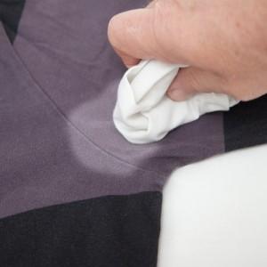 Как отстирать пятна от дезодоранта