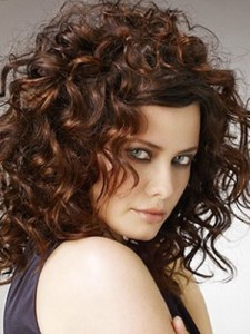 Женские стрижки для волнистых волос