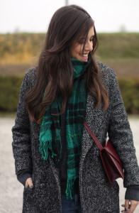 Как завязать шарф на пальто