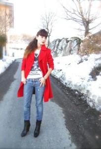 С чем носить красное пальто