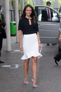 белая юбка фото