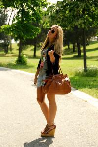 сумка коричневого цвета