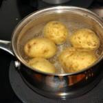 Сколько по времени варить картошку?