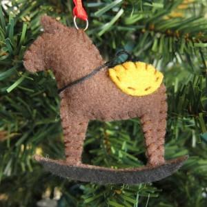Новогодняя лошадка своими руками