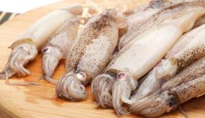 Как разморозить кальмаров