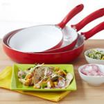 Как можно очистить керамическую сковороду от нагара