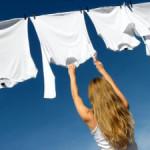 Как отстирать полинявшие белые вещи: рубашки, скатерти, белье