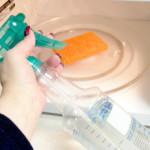 Как очистить микроволновку внутри и снаружи
