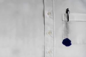 Как отстирать ручку с одежды