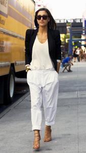 с чем носить брюки белого цвета фото