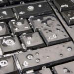 Как чистить клавиатуру ноутбука и компьютера от пыли, пятен и других загрязнений