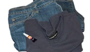 Как отстирать клей с одежды и других вещей