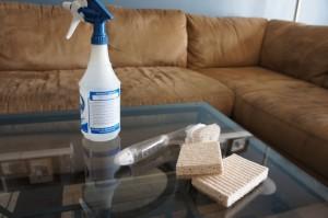 Как очистить диван от мочи